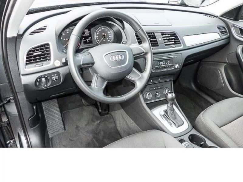 audi q3 2 0 tfsi 170 quattro essence occasion de couleur gris mtallise en vente chez le. Black Bedroom Furniture Sets. Home Design Ideas
