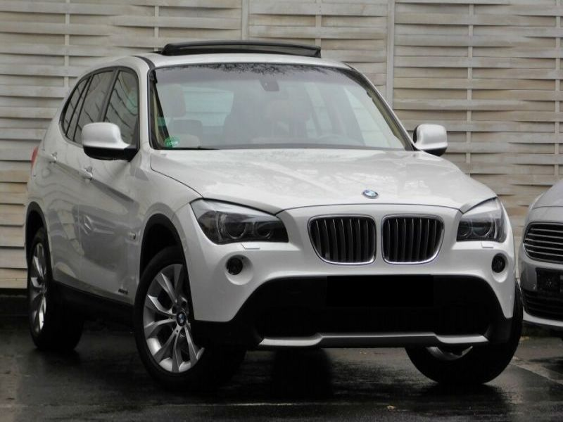 bmw x1 xdrive 28 i 245 ch essence occasion de couleur blanc en vente chez le mandataire auto. Black Bedroom Furniture Sets. Home Design Ideas