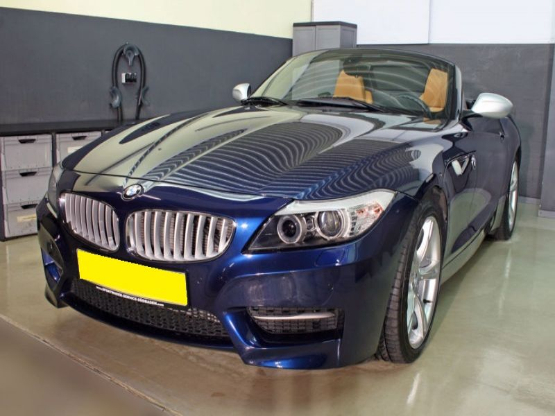 bmw z4 sdrive 35 is essence occasion de couleur bleu metallisee en vente chez le mandataire. Black Bedroom Furniture Sets. Home Design Ideas