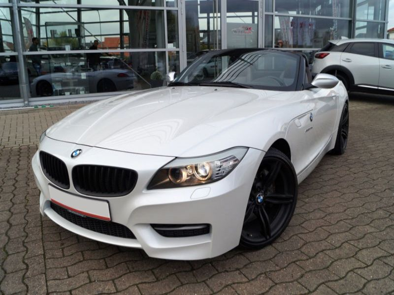 bmw z4 sdrive 35 is m sport dkg essence occasion de couleur blanc m tallis e en vente chez le. Black Bedroom Furniture Sets. Home Design Ideas