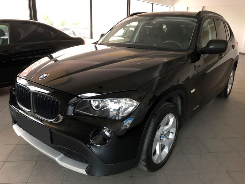 bmw x1 sdrive 18 d 143 ch diesel occasion de couleur noir metallis e en vente chez le. Black Bedroom Furniture Sets. Home Design Ideas