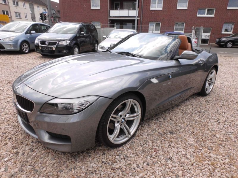 bmw z4 sdrive 23 i m electrique occasion de couleur gris metallis e en vente chez le. Black Bedroom Furniture Sets. Home Design Ideas