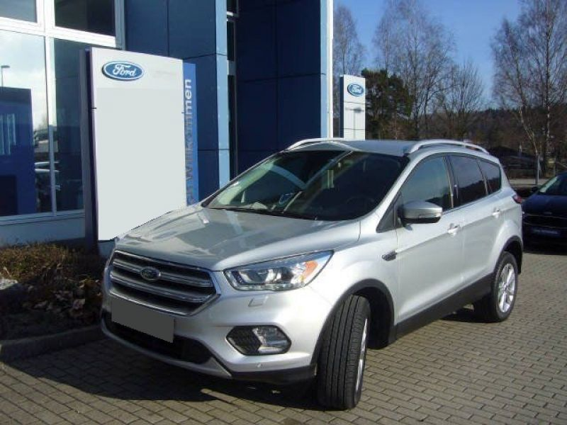 ford kuga essence occasion 4000 euros de rabais sur le suv ford kuga essence ou ford kuga. Black Bedroom Furniture Sets. Home Design Ideas