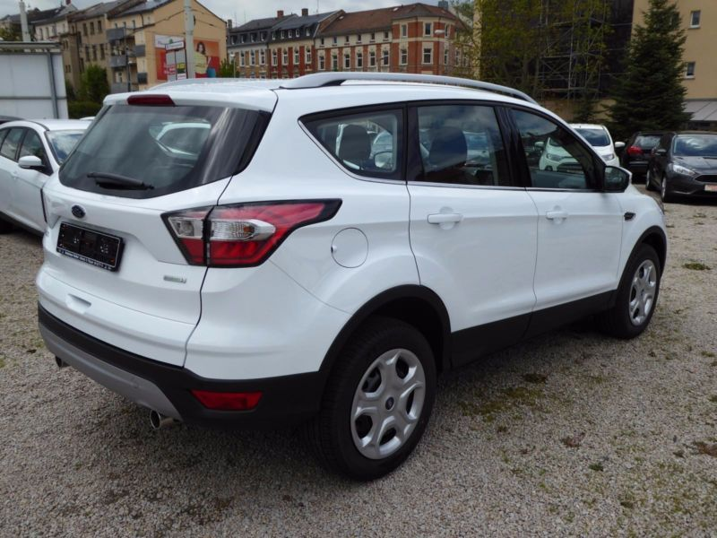 Vente voiture Ford Kuga Essence moins cher - photo 3