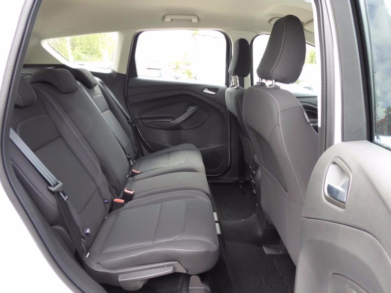 Vente voiture Ford Kuga Essence moins cher - photo 5