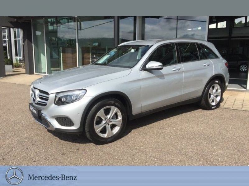 mercedes glc 220 d 4 matic diesel occasion de couleur argent mtallise en vente chez le. Black Bedroom Furniture Sets. Home Design Ideas