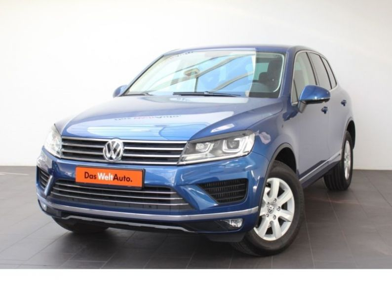 volkswagen touareg 3 0 tdi 4motion 262 diesel occasion de couleur bleu m tallis e en vente. Black Bedroom Furniture Sets. Home Design Ideas